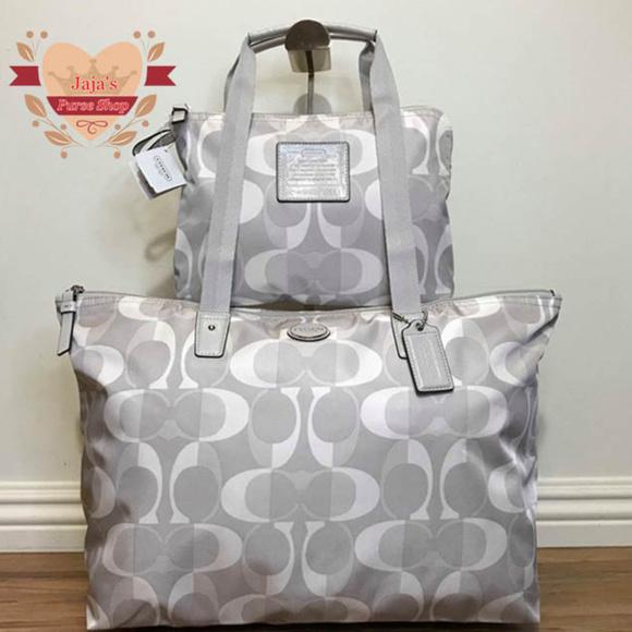 Coach Handbags - 🧂Coach Signature Bag & Snap Pouch🧂